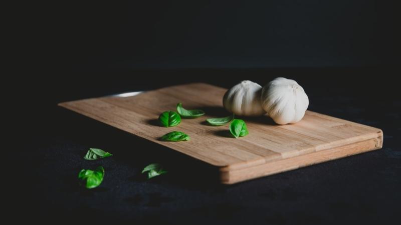Καταπολέμησε το κρυολόγημα με σκόρδο: Συνταγές για να το βάλεις στη ζωή σου