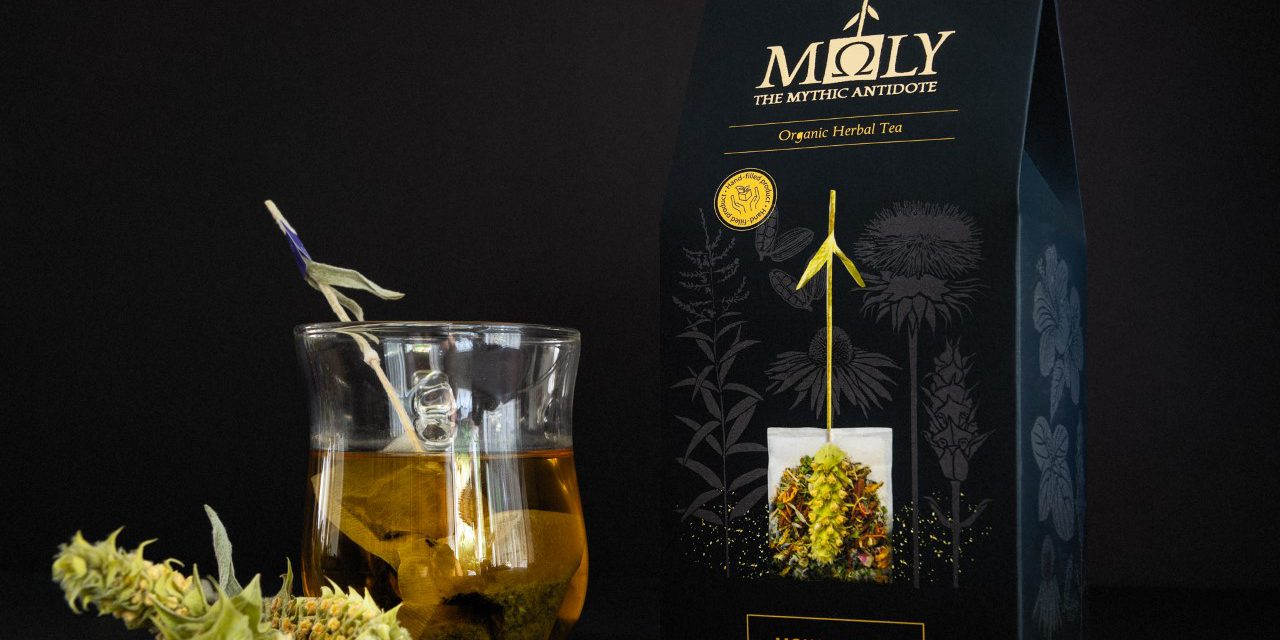 Το βελούδινο κλωνάρι από το τσάι του βουνού κάνει τον γύρο του κόσμου