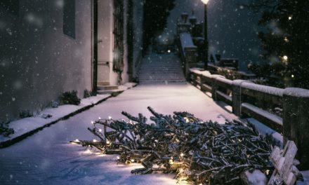 Κάλαντα Χριστουγέννων με κρύο και θυελλώδεις ανέμους σήμερα