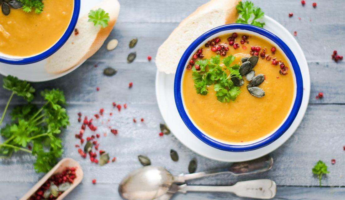 Σούπα κάστανο βελουτέ για το τραπέζι των Χριστουγέννων