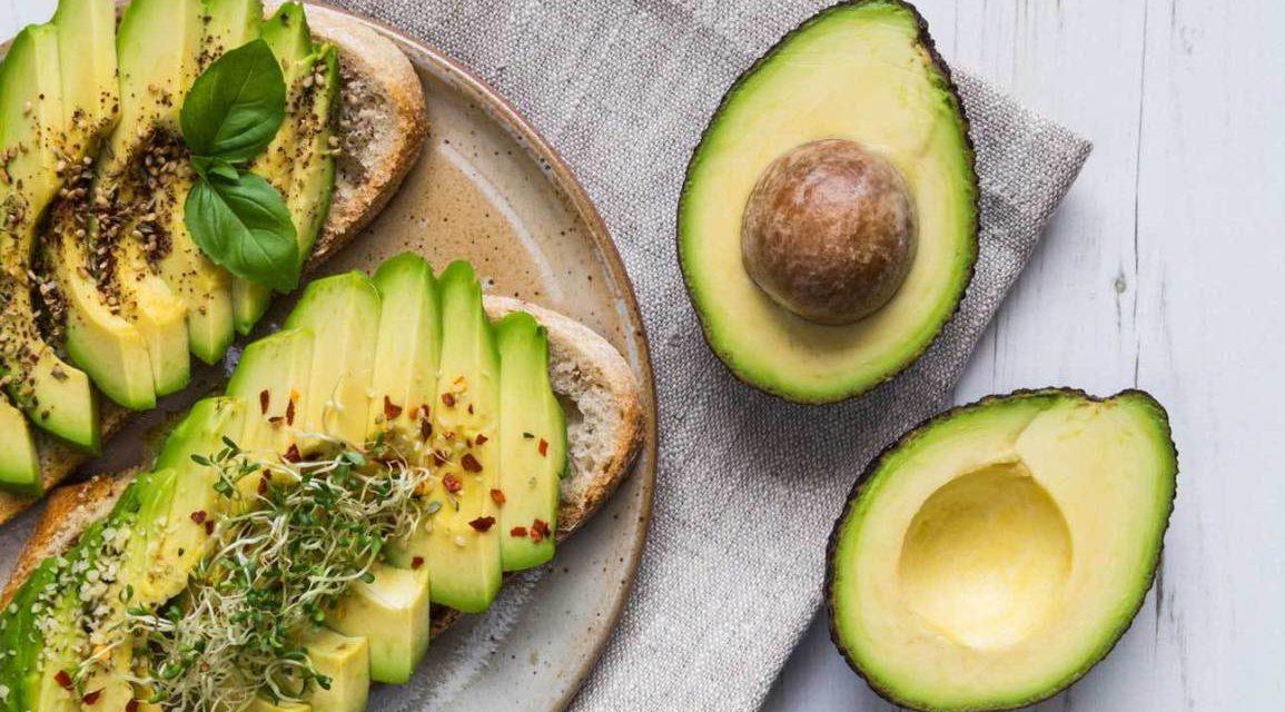 Γιατί πρέπει να τρώμε αβοκάντο; Πώς να το βάλεις στη διατροφή σου