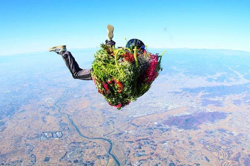 """""""Λουλούδι και άνθρωπος"""": Ένα εντυπωσιακό πρότζεκτ για τη σχέση ανθρώπου και φύσης"""