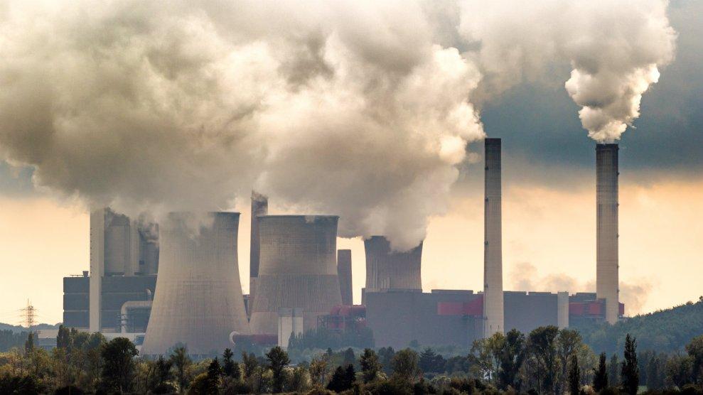 Η Ε.Ε. θα μπορούσε να φορολογήσει τις εκπομπές άνθρακα παγκοσμίως
