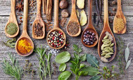 Επιστημονική έρευνα: Μπαχαρικά και βότανα αντί για αλάτι