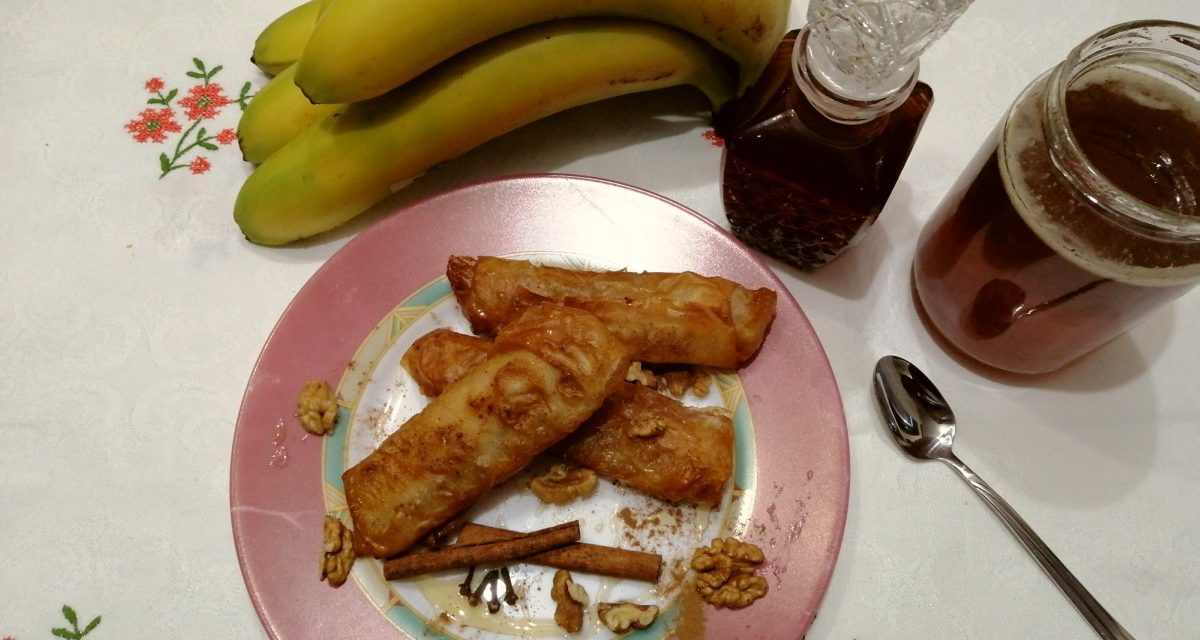 Μεθυσμένες μπανάνες με κανέλα, μέλι και καρύδια