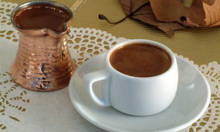 Ο ελληνικός καφές – κλειδί για μακροζωία; Η ερευνητές στην Ικαρία