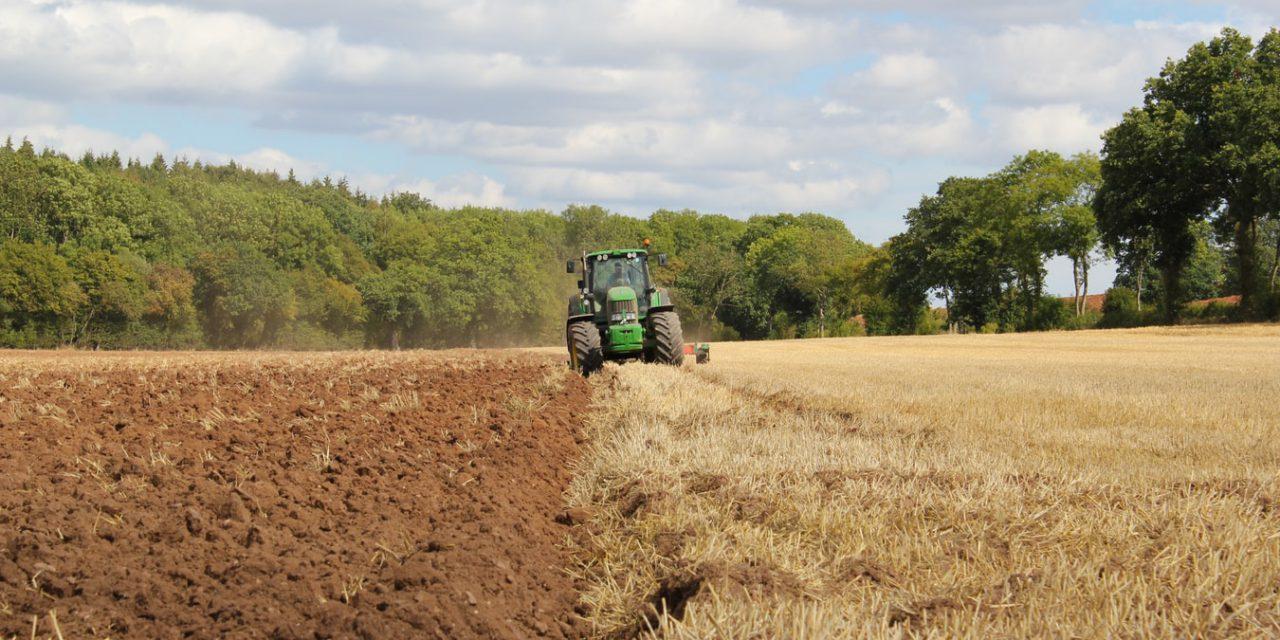 Πώς θα μετακινούνται αγρότες και εργάτες γης κατά την απαγόρευση