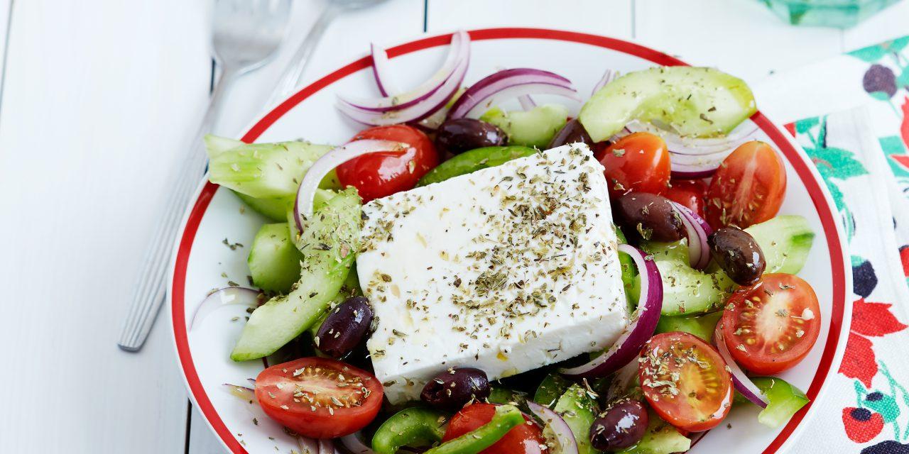 Ο καθηγητής Τσιόδρας μας προτείνει τη μεσογειακή διατροφή για όσο διαρκεί η καραντίνα