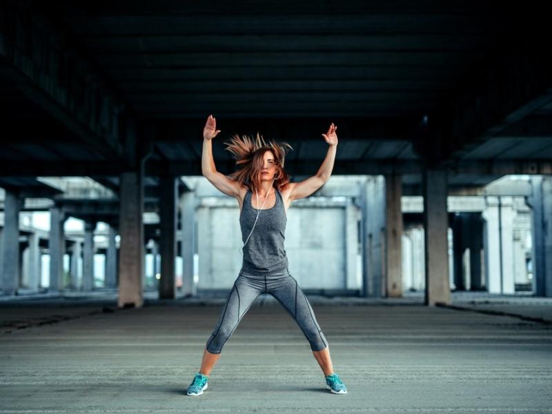 5 ασκήσεις που σε βοηθούν να κάψεις 200 θερμίδες σε 3 λεπτά