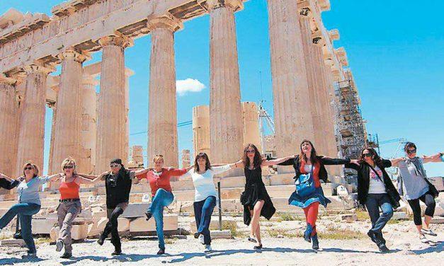 Βρετανική εφημερίδα Telegraph: Μπράβο στους Έλληνες για τη συμπεριφορά τους στην πανδημία