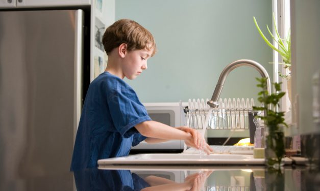 Οι έρευνες δε δείχνουν ότι τα παιδιά δε μεταδίδουν τον ιό