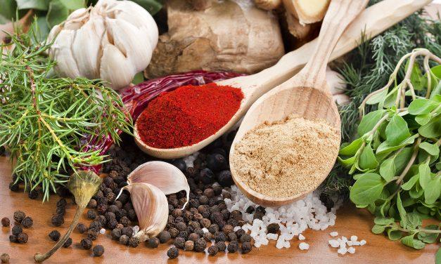 9 νόστιμα βότανα και μπαχαρικά με ισχυρά οφέλη στην υγεία