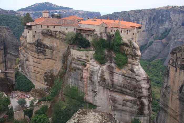 Μετέωρα: Θρησκευτικός προορισμός και σπάνια αρχιτεκτονική που προκαλεί δέος
