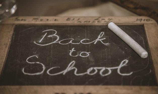 Επιστροφή στα σχολεία με μάσκες και αντισηπτικά – Δες τις χώρες