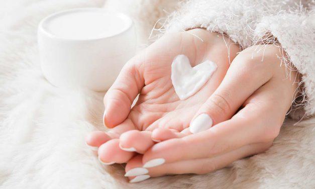 6 τρόποι να αποφύγεις το ξηρό δέρμα τον χειμώνα