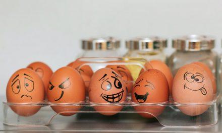 5 πράγματα που μπορείς να κάνεις με αυγά, εκτός από φαγητό