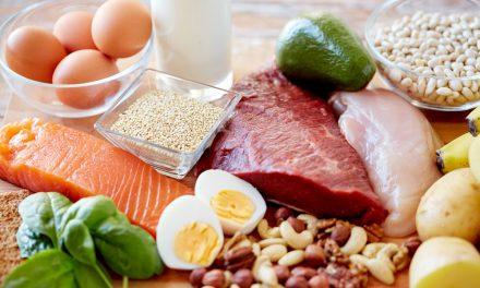 6 σημάδια που δείχνουν ότι τρως πολλή πρωτεΐνη